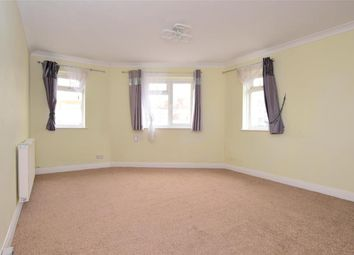 Longridge Avenue, Saltdean, Brighton, East Sussex BN2. 1 bed flat
