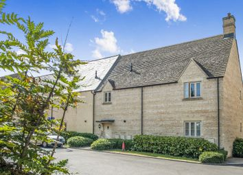 2 bed flat to rent in Cross Close, Cirencester GL7