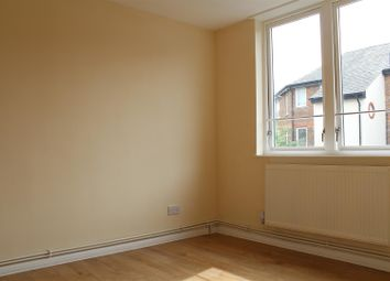 Thumbnail 4 bed property to rent in Grand Union Crescent, London