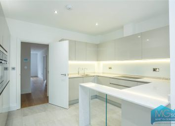 Thumbnail 3 bedroom flat for sale in Colney Hatch Lane, Muswell Hill, London