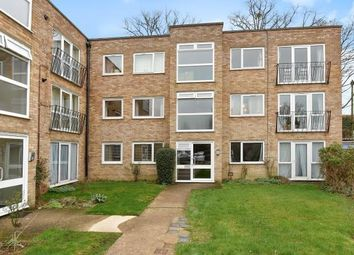 Thumbnail 2 bedroom flat to rent in Riseley Road, Maidenhead