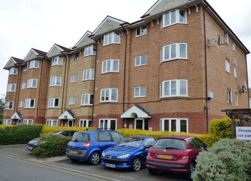 Thumbnail Flat to rent in Varsity Drive, Twickenham