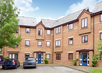 Thumbnail 2 bed flat for sale in Swan Court, Central Oxford