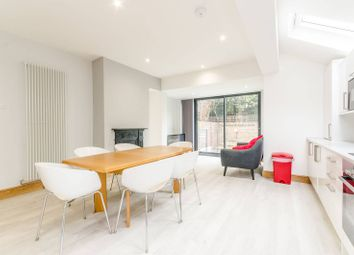 Thumbnail 4 bed flat to rent in Racton Road, Fulham