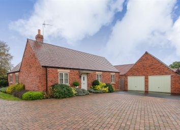 3 bed detached bungalow for sale in Cornflower Road, Moreton In Marsh, Gloucestershire GL56