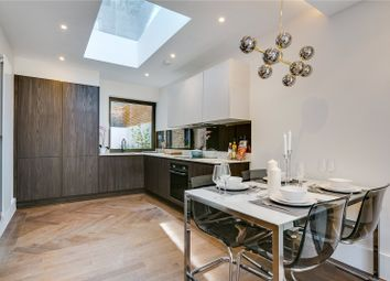 3 bed flat for sale in Balham Park Road, Balham, London SW12