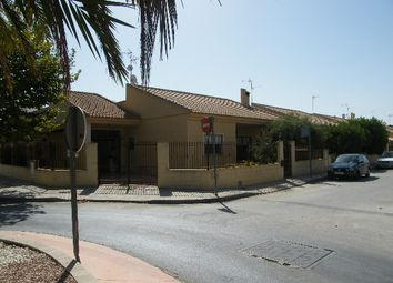 Thumbnail 3 bed villa for sale in Almoradi, Spain