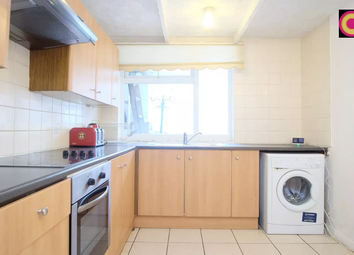 3 bed maisonette to rent in Lawrence Close, Bow E3,