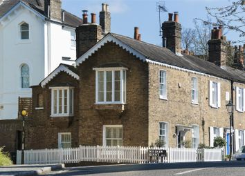 3 bed property for sale in Squires Mount, Hampstead NW3