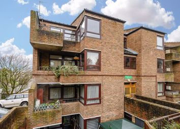 Thumbnail 2 bed flat to rent in Manningtree Close, London