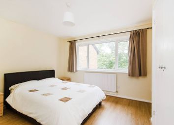 Thumbnail 1 bed flat to rent in Buckingham Avenue, Perivale, Greenford