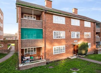 3 bed flat for sale in Colney Hatch Lane, London N10