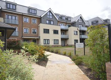 Thumbnail 2 bed flat to rent in Lansdowne Place, Taplow
