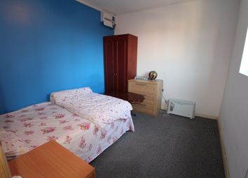 Thumbnail 1 bedroom flat to rent in St. Pauls Mews, Whitley Wood Lane, Reading