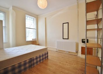 Thumbnail 1 bed flat to rent in Kings Avenue, Muswell Hill