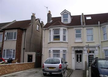 Thumbnail 1 bed flat to rent in Wellesley Road, Clacton-On-Sea