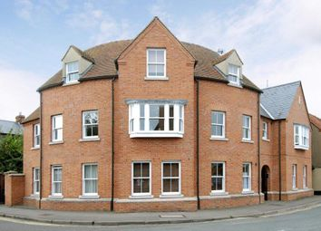 Thumbnail 2 bed flat to rent in Wood Street, Wallingford
