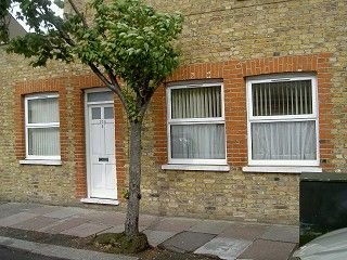 Thumbnail 2 bedroom flat to rent in East Sheen, London