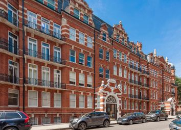 Thumbnail 4 bed flat for sale in Kensington Court, Kensington