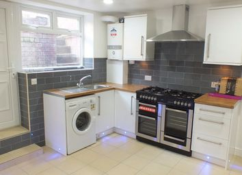 Thumbnail 6 bed terraced house to rent in Brudenell Mount, Leeds
