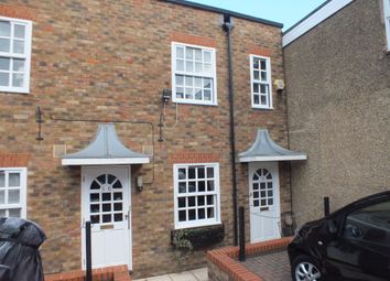 Thumbnail 1 bed flat to rent in Russell Street, Windsor