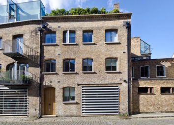 Thumbnail 1 bed property for sale in Greens Court, Lansdowne Mews, London