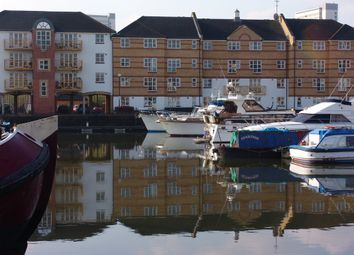 Thumbnail Flat to rent in Dunnage Crescent, Surrey Quays, London