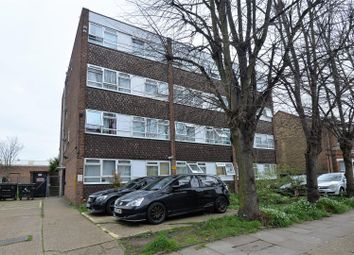 2 bed maisonette to rent in Carnarvon Road, Stratford, London E15