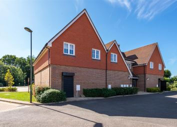 2 bed flat for sale in Brookfield Drive, Horley RH6