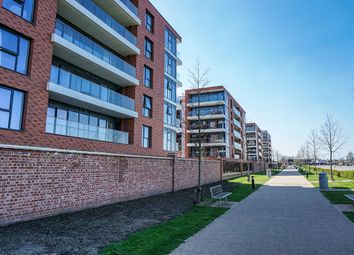 Thumbnail 1 bed flat for sale in Kingman Way, Newbury, Berkshire
