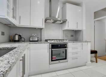 3 bed maisonette to rent in Deacon Road, London NW2
