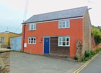 Thumbnail 2 bed detached house to rent in Parsonage Road, Bridport