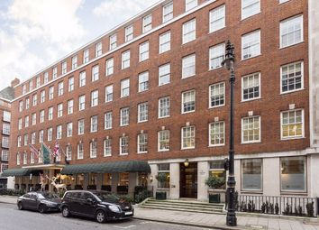 Thumbnail 2 bed flat to rent in Grosvenor Square, London