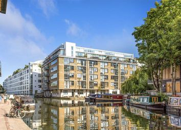 Thumbnail 2 bed flat to rent in Wenlock Road, London
