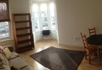 Thumbnail 2 bed flat to rent in Dromore Road, London