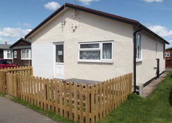 3 bed mobile/park home for sale in Third Avenue, South Shore Holiday Village, Bridlington YO15