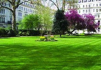 Thumbnail 1 bed flat to rent in Kensington Gardens Square, London