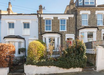 Eland Road, London SW11. 1 bed flat for sale