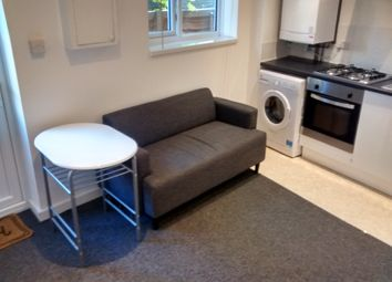 Thumbnail 1 bedroom flat to rent in Cleveland Road, Gosport