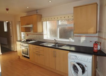 Thumbnail 2 bed flat to rent in Abbots Road, Kings Heath, Birmingham