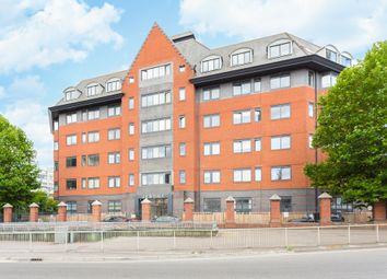 Thumbnail 2 bed flat for sale in Wellington Street, Slough