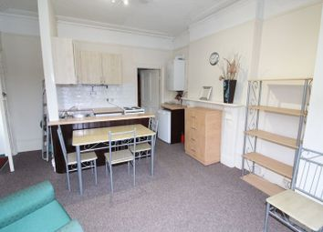1 bed flat to rent in Meadowcroft Road, London N13