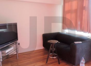 Thumbnail Room to rent in Hallywell Crescent, Beckton