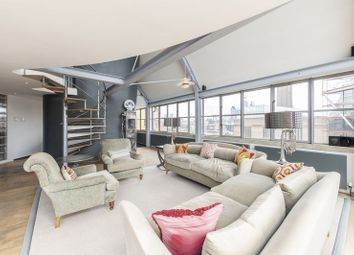 Thumbnail 4 bed flat to rent in Hopton Street, London