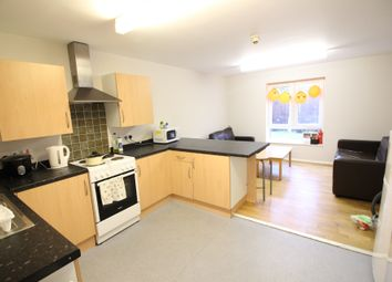 Thumbnail 4 bed flat to rent in Gwennyth Street, Roath, Cardiff