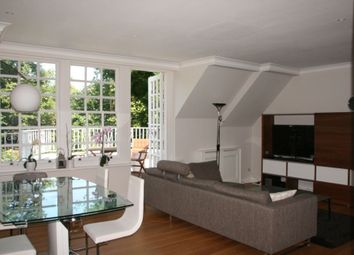 Thumbnail 3 bed flat for sale in Bracknell Gardens, Hampstead, London