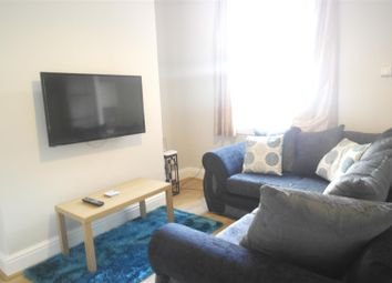 Thumbnail 4 bed detached house to rent in Sidmouth Street, Hull