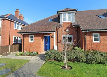 2 bed end terrace house for sale in North Greenlands, Pennington, Lymington SO41
