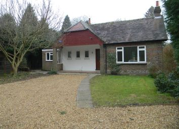 Thumbnail 3 bed bungalow to rent in Barncroft Road, Berkhamsted