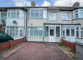 4 bed terraced house to rent in Princes Avenue, London NW9